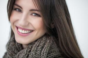smilebrunettesweater